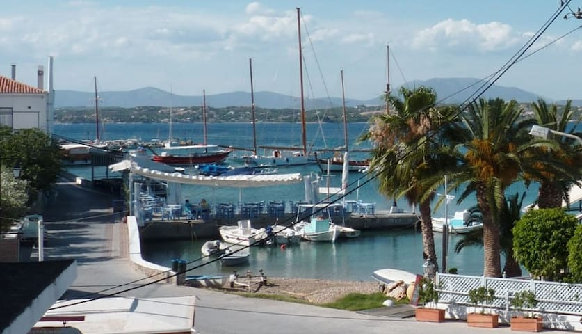 Old Harbour View Apartment - Spetses - Appartamento