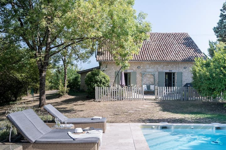 Pear and Peach Cottages at Nouvelle-Aquitaine