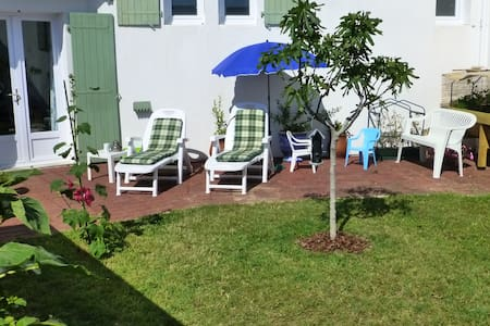 Nice cottage close to the sea-shore - Rivedoux-Plage