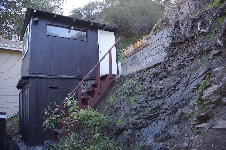 L.A Private Hillside Cabin, the sauna and more space below