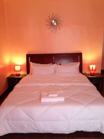 Private room for 2 - Lapu-Lapu City - Rumah