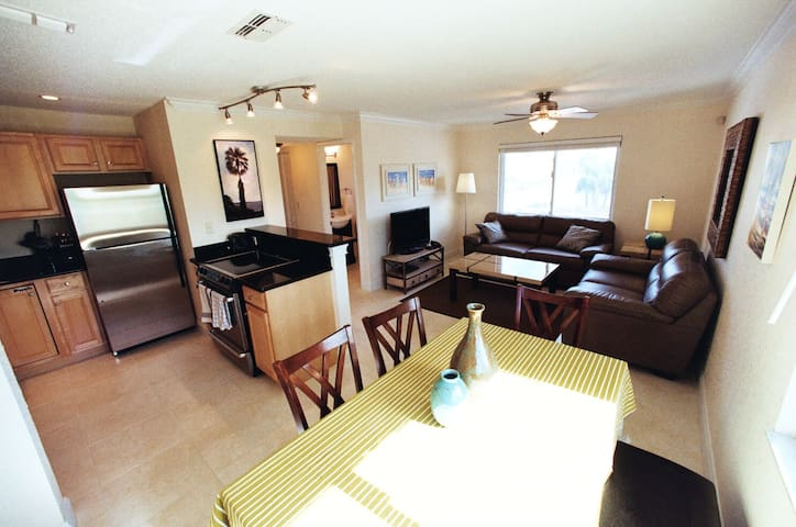 Parkside Condominiums St. Petes - St. Pete Beach - Apartment