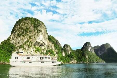 Impressive Halong Bay Cruise 2D-1N - Hanoi