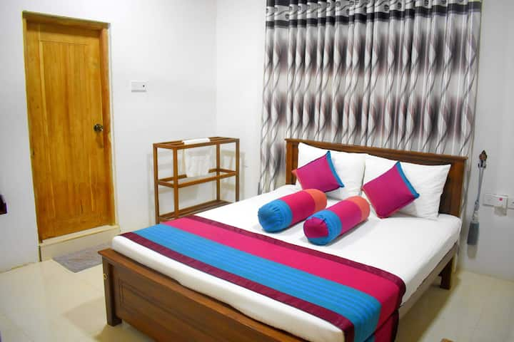 Private Double Room / Golden Villa