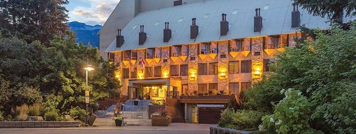 Whistler Village Mountain Lodge Resort 1 bdrm Dlxe
