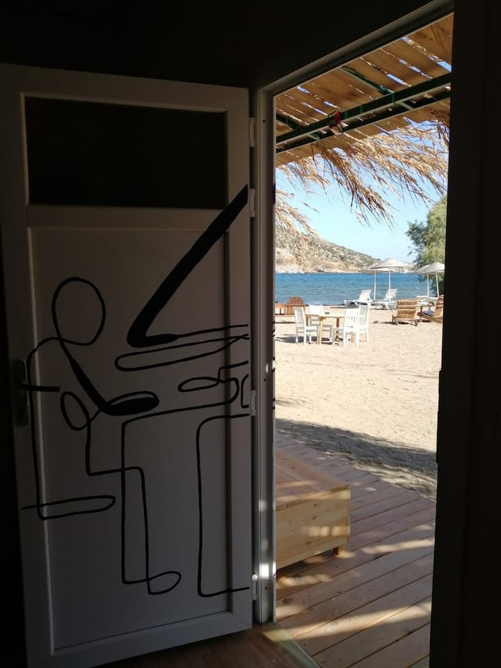 Double room on the beach in Gümüşlük - Piano