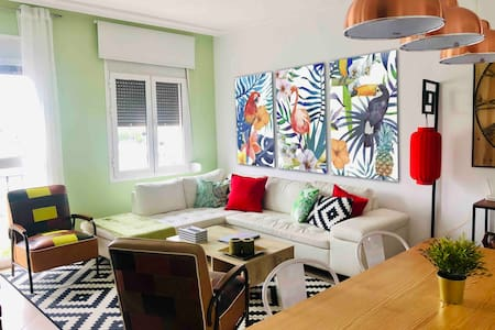 Center of Puerto Banus 2 bed /2 bath WIFI/PARKING