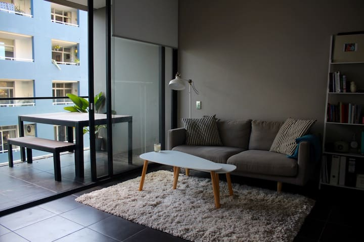 Chic inner-city studio in trendy Surry Hills - Surry Hills - Apartment