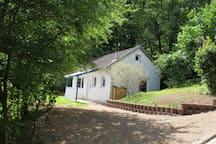 Kleines Ferienhaus am Waldrand