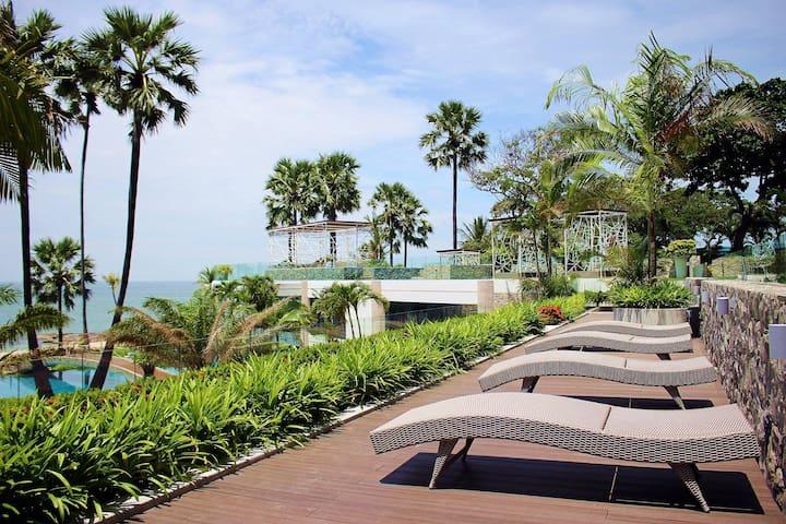 Private beach. world-class condo in Pattaya City