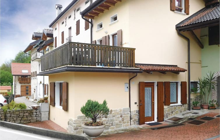 Holiday apartment with 1 bedroom on 40 m² in Chies d'Alpago BL