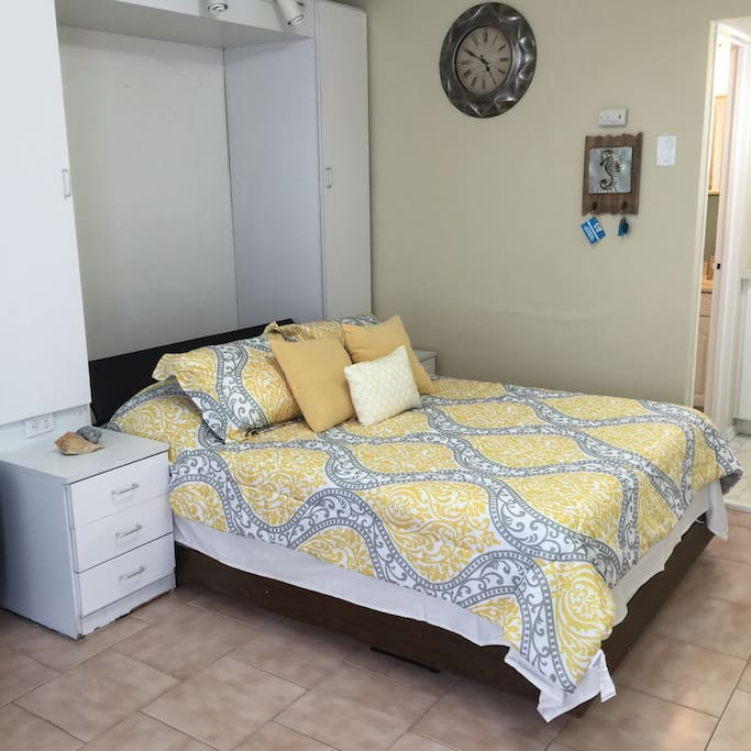 Murphy Bed (Full)