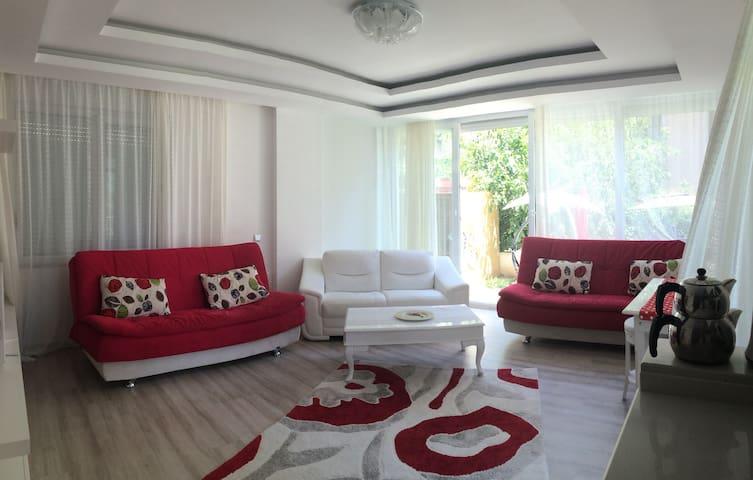 Denize 3 DK. 1+1 LUX daire - Konyaaltı - Apartment
