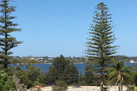 Funky South Perth apartment stay - South Perth