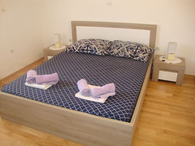 Cute double-bed room with big private bathroom