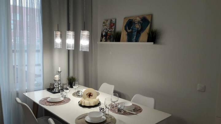Новая квартира(74м²), свежий воздух,20 мин до Спб