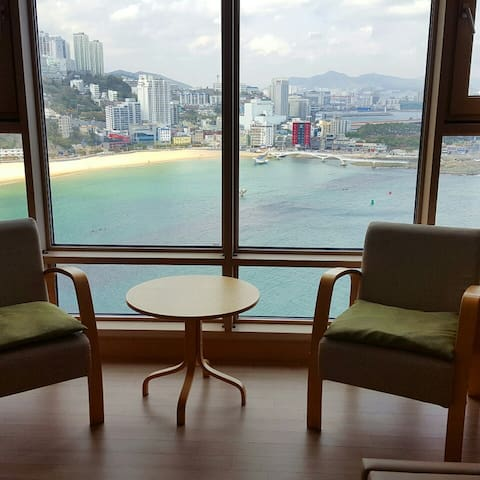 Songdo Beach House (Busan Station pick-up)35평