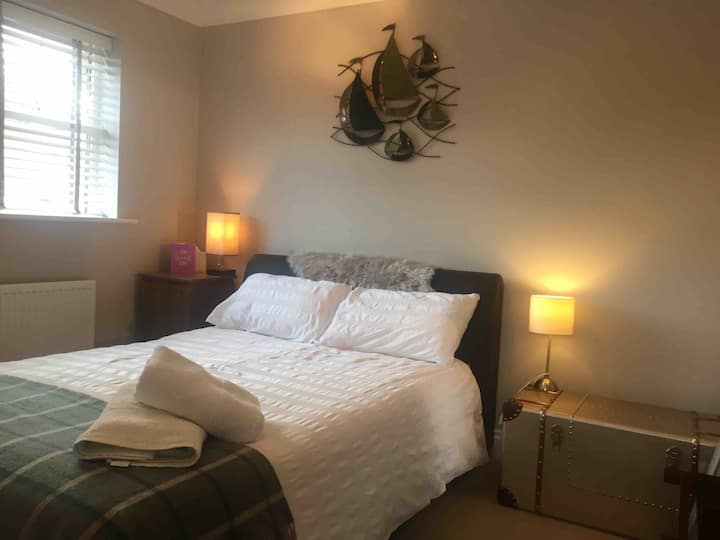 Double room with own bathroom - Hamble
