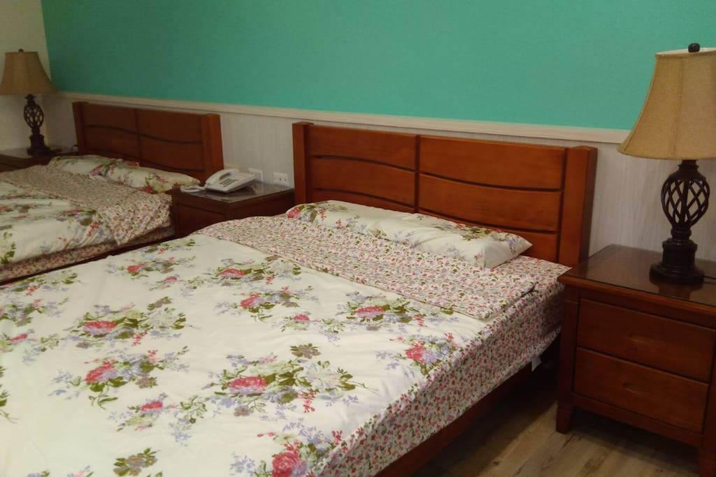 二張標準雙人床