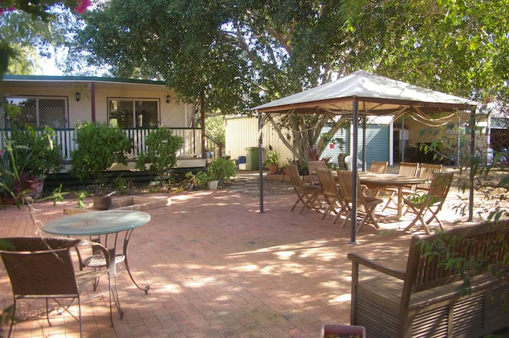 Quiet Wivenhoe Pocket farm stay