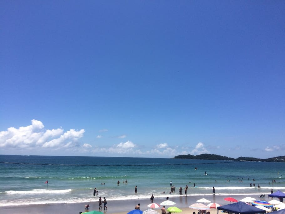 Praia Transparente e calma ( foto tirada jan/17)
