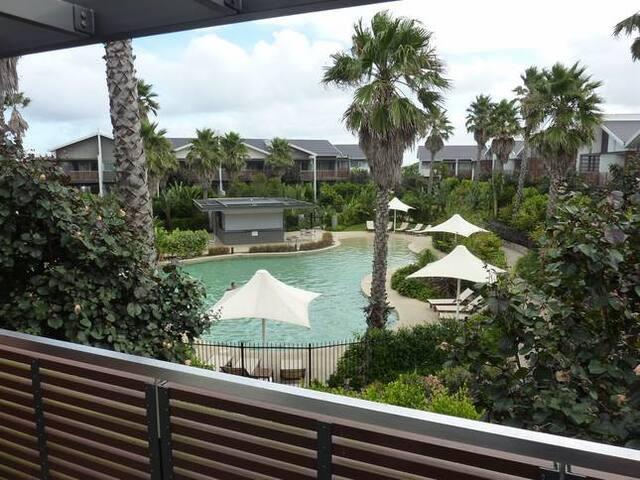 Central Coast beach and golf resort
