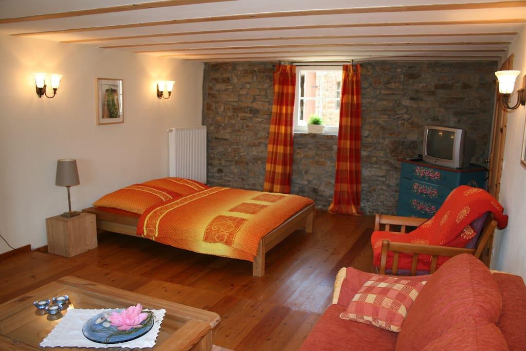 Wohnzimmer der Ferienwohnung Paterre