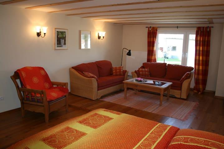 Ferienwohnungen Schlössershof  Eifel - Borler