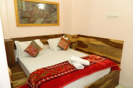 A Cozy/Comfortable room in the heart of Town! - Jaisalmer