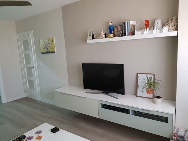 Smart TV Samsung 40p curva con NETFLIX
