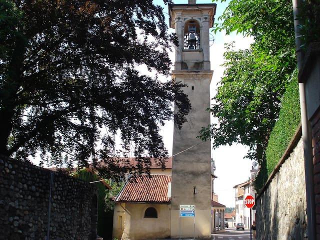 Breve termine bilocale fitto Varese - Castronno - Byt