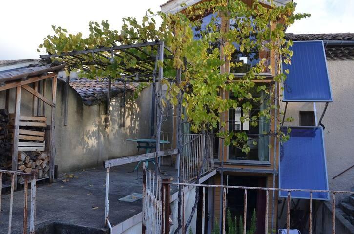 Ecological house - Le Poët-Laval - Casa