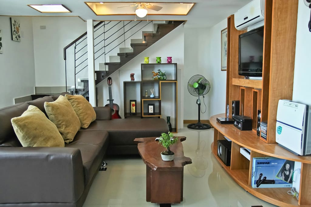Condo unit 26th flr w sea view lofts en alquiler en for Living room karaoke