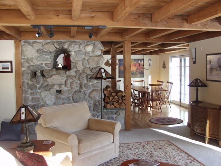 Cozy Country Sugarbush Ski Home