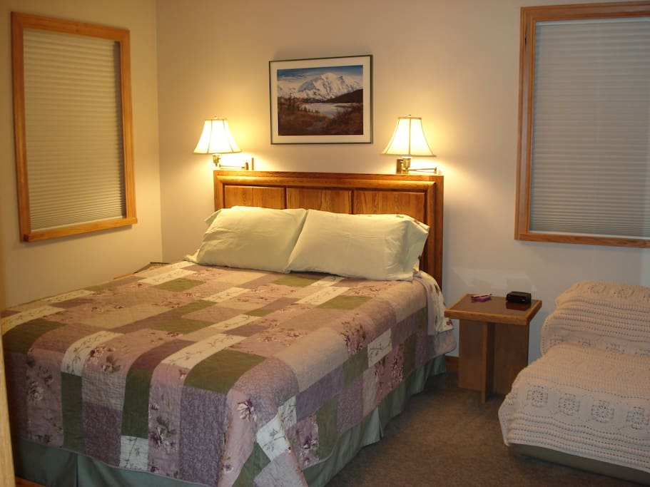 Vail Room--can accommodate 2 guests.