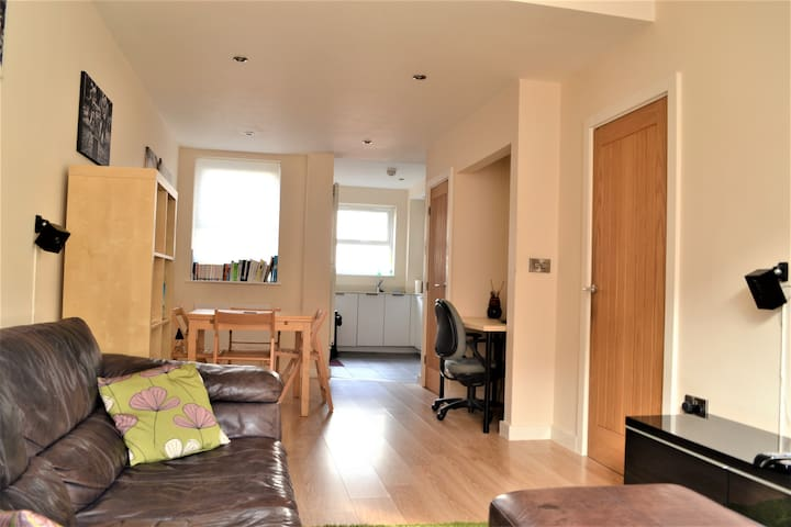 Terraced 2-double bed **Townhouse**