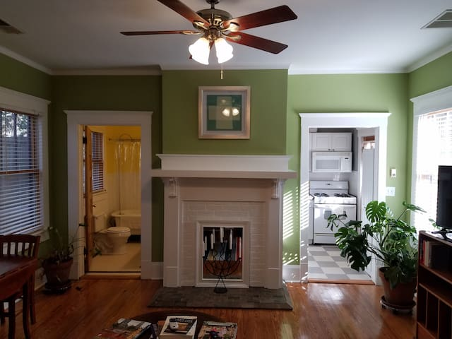Fully restored in-law suite in Historic East Lake