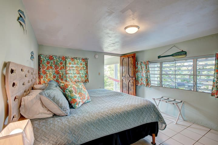 Tropical Hideaway @ Gypsea Mermaid Bedroom. Bed options: 1 king bed OR 2 twin beds...your choice!