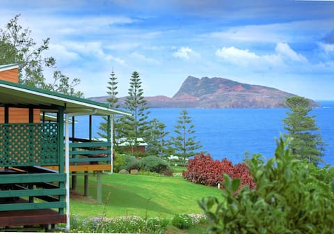Endeavour Lodge - Ocean Views