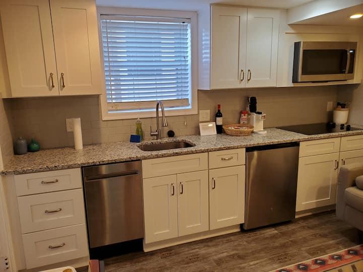 Private Suite in Westover Arlington