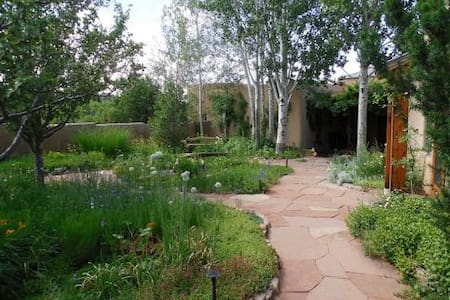 Serene Suite in Country Setting - Santa Fe