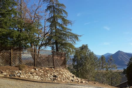 Lovely House near the Lake & River - Wofford Heights
