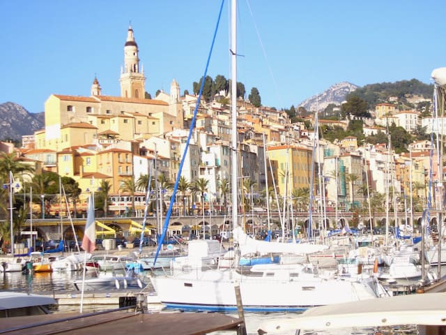 Menton plage/beach & port/old town 15min