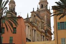 Menton vieille ville/old town 15min