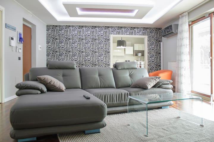relax...buon umore...casa eddy - Caserta - Apartamento