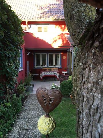 Idyllisches Bauernhaus - Singen (Hohentwiel) - Ev