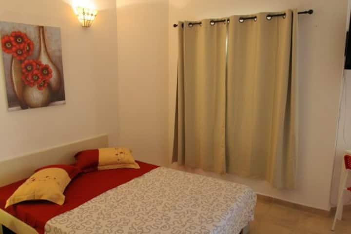 Красивая большая 1 ком квартира на море Бат-Ям