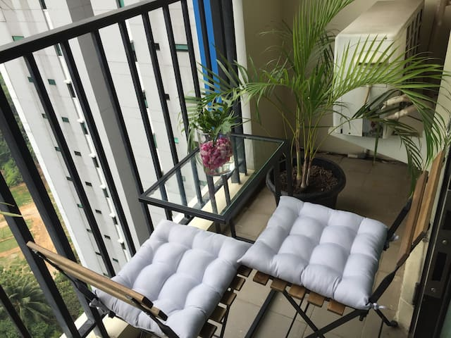 Great View n Cozy 2BR  Apartment, Hampton's Park