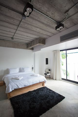 ELLA B&B, Phuket. Room 2 - DELUXE