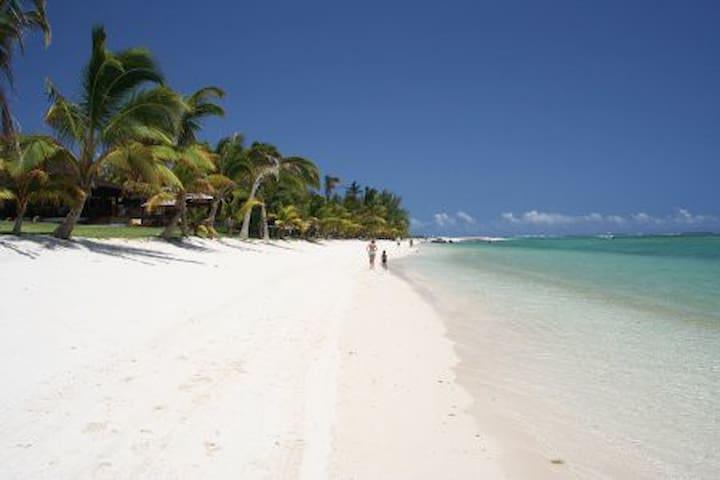 Villa Osumare on Flic en Flac Beach - Flic en Flac